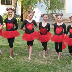 jednodelni crni triko za balet i gimnastiku crvena packa tutu baletska suknja
